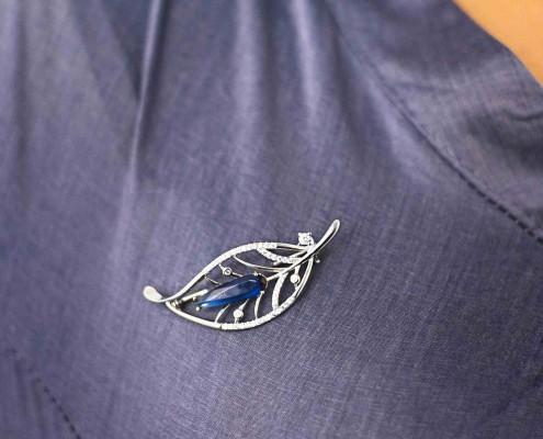 eaf Drop Blue Brooch Silver for you