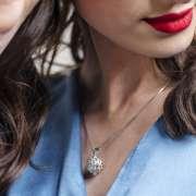 Frana srebrni privjesak Silver for you close up