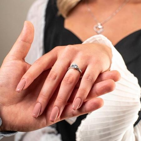 ANNA-srebrni-zarucnicki-prsten